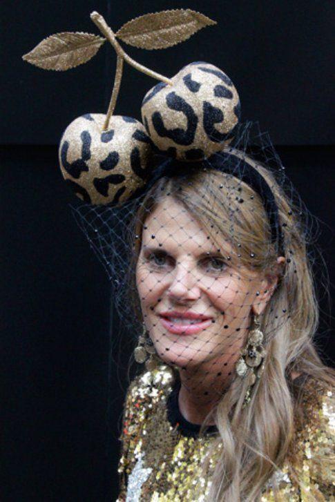cappello con veletta (anna dello russo)