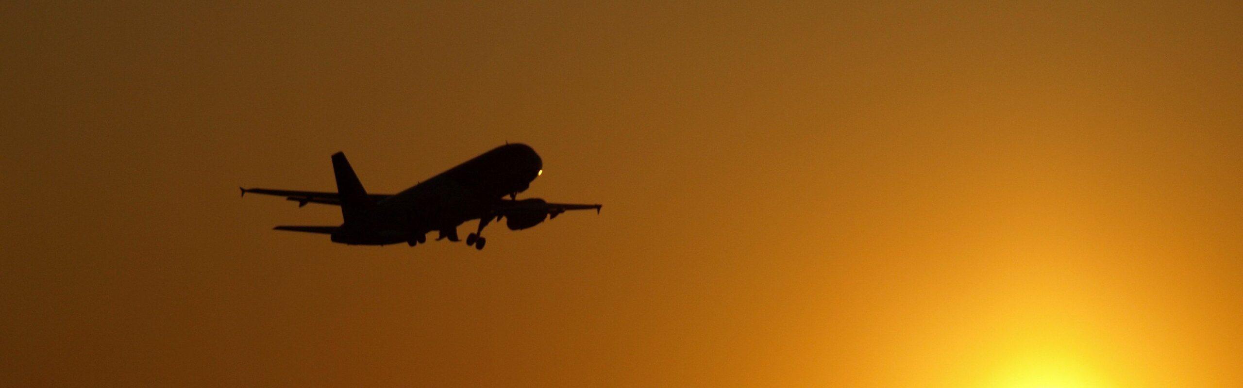 Bon ton da viaggio: le buone maniere in aereo e all'aeroporto