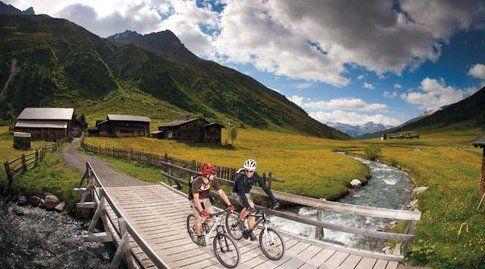 Tantissimi i percorsi per la mountainbike. Foto di Davos.ch