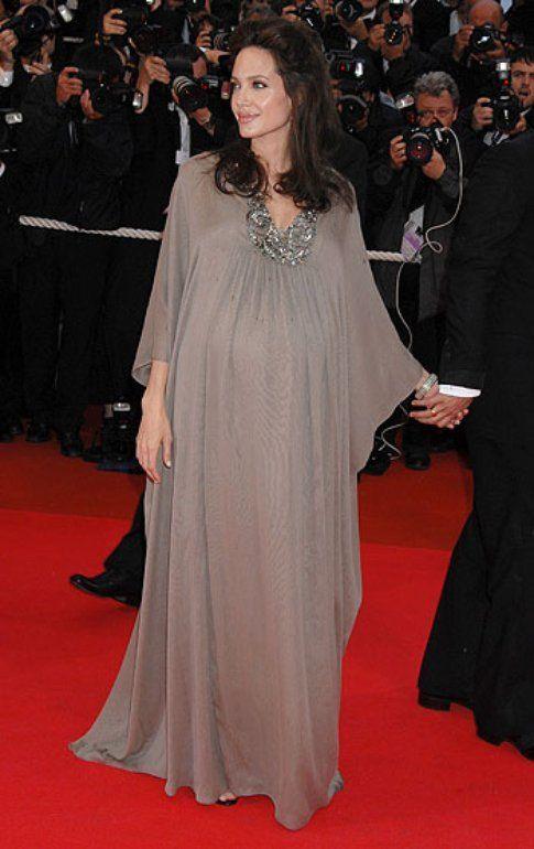 Angelina Jolie, fonte style.it