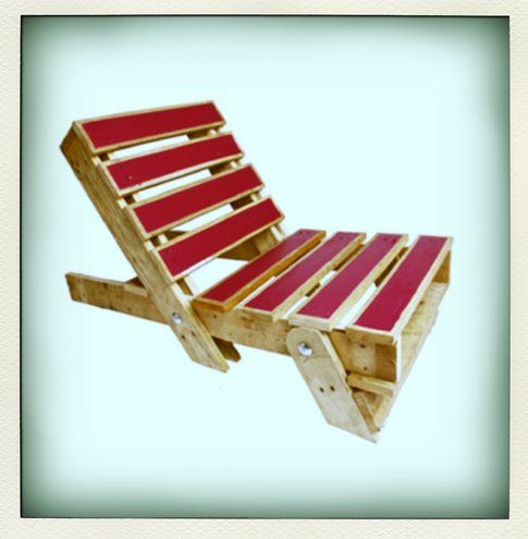 Gas&Air Studios: The Fold-Out Pallet Chair