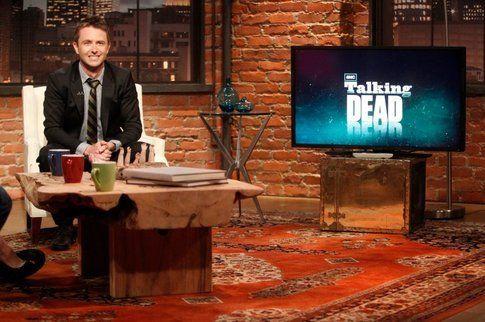 Chris Hardwick nel salotto di Talking Dead