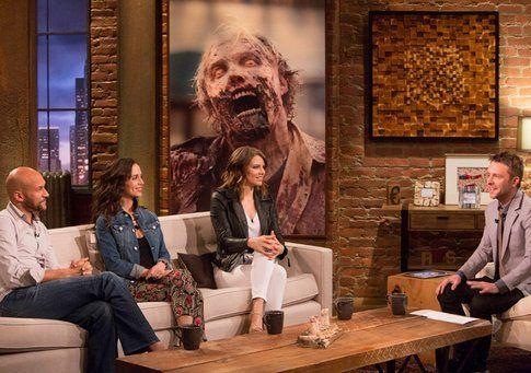 Keegan Michael Key, Eliza Dushku e Lauren Cohen (Maggie Greene) con Chris Hardwick - foto AMC.