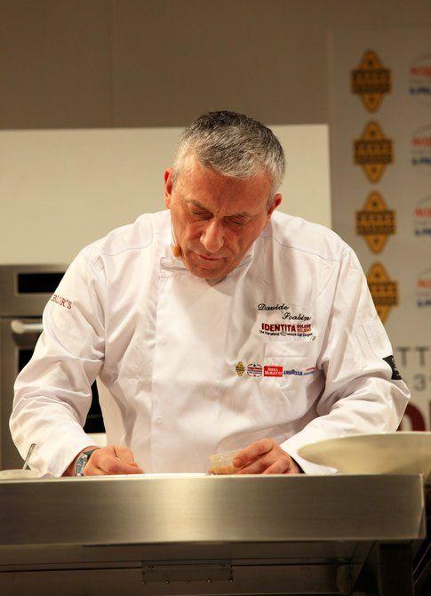 Lo chef Davide Scabin durante Identità Golose