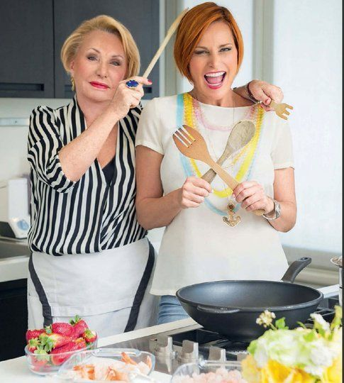 Anna e Simona Ventura - foto Simona Ventura official fan page