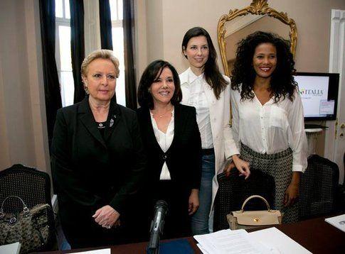 La conferenza stampa di Patrizia Mirigliani - foto da pagina ufficiale di facebook