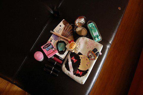 Tenere in ordine i trucchi - Foto by Knitty Cent su Flickr