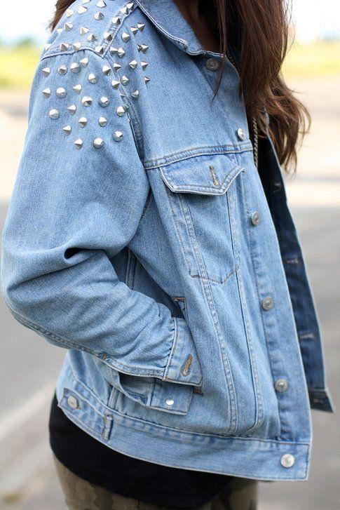 Jeans, camouflage e un tocco rock: ecco il mio outfit!
