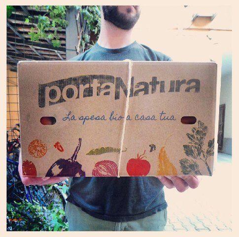 Scatola con frutta e verdura di Portanatura (immagine tratta dal sito di Portanatura)