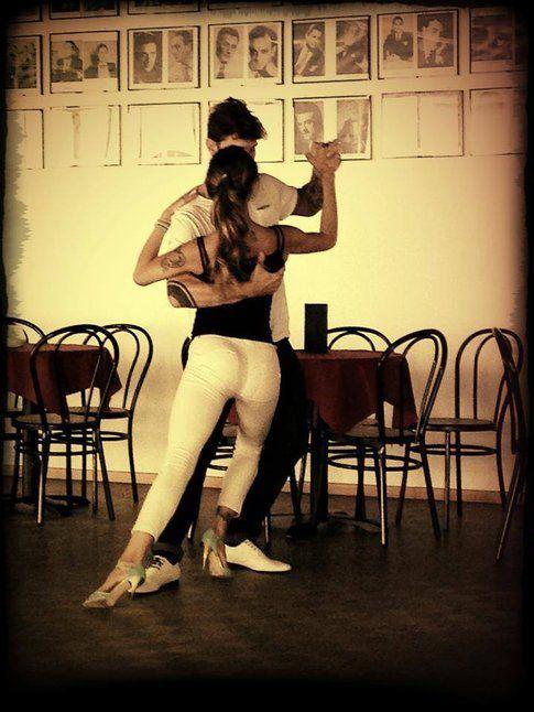 Belen e Stefano complici in un tango