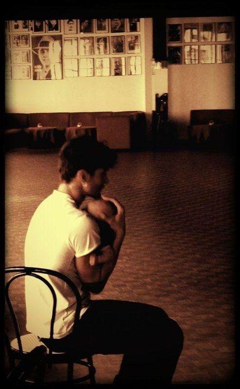 Santiago tra le braccia del papà