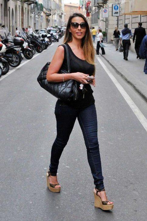 Barbara Guerra in un outfit casual