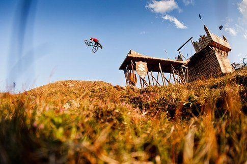 Mountain Bike Slopestyle. Foto di Stefcande.com / Red Bull Media Content