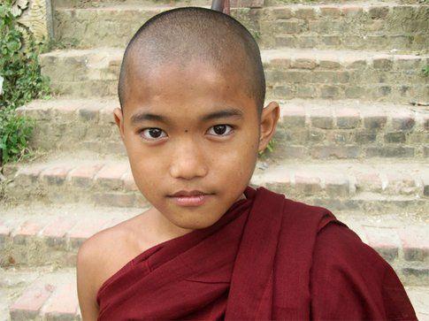 bambino monaco
