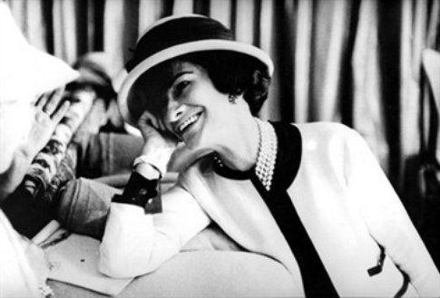 Un frame di Coco Chanel, fonte Vogue.it