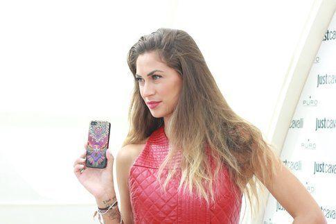 Melissa Satta testimonial delle nuove cover Just Cavalli by Puro