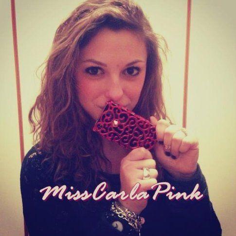 MissCarlaPink : giovanissima Youtuber appassionata di Make-up e Moda