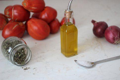 gli ingredienti per fare il sugo