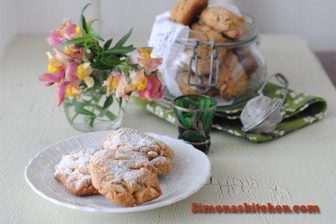 Biscotti al farro e pinoli