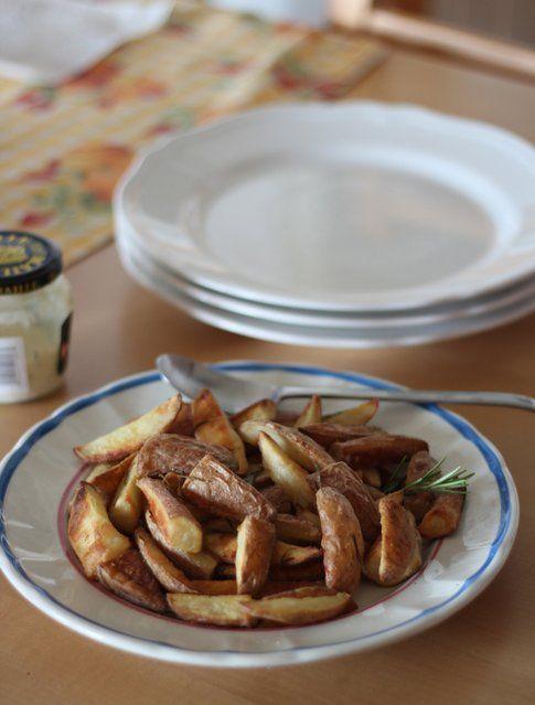 Le patate al forno perfette come contorno anche per una cena all'ultimo minuto