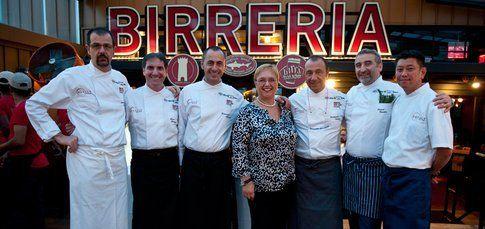 """Chef con la """"padrona di casa"""" Lidia Bastianich (foto dall'archivio di Identità Golose)"""
