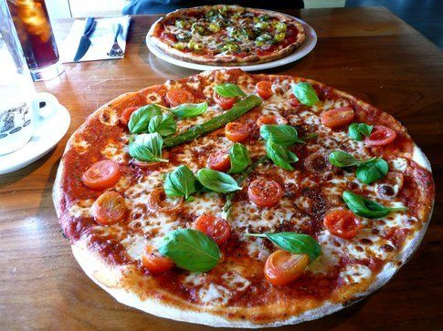 Quattro pomodori e pizza express di Scorpions and Centaurs/Flickr