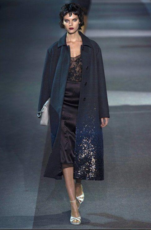 Abito-Sottoveste: come indossarlo e con cosa abbinarlo, dalla sfilata Louis Vuitton- fonte: vogue.it