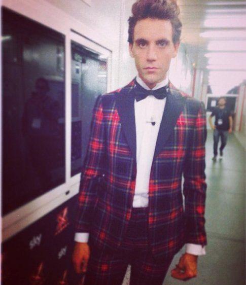 (MIKA) XFactor: i look promossi e bocciati della prima puntata - fonte: @moschinofficial su Instagram