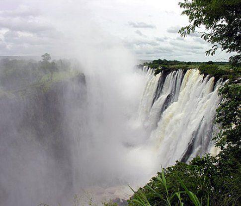 Victoria Falls, lato Zambia © Fotografia di Luca Galbiati - © LonelyPlanet
