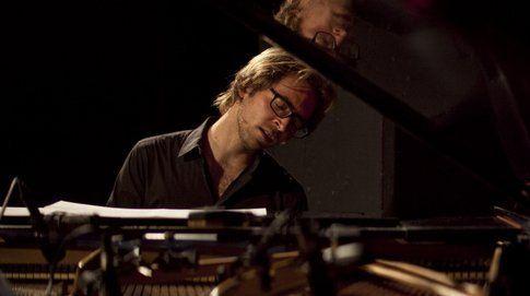 """Aaron Parks- foto concessa dall'ufficio stampa ufficiale """"Aperitivo in concerto"""" del Teatro Manzoni"""