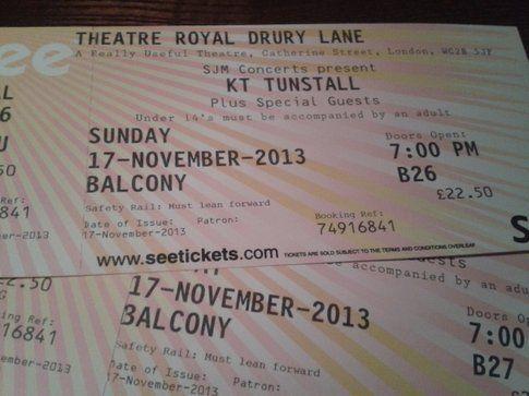 I biglietti del concerto al Royal Theatre, Londra