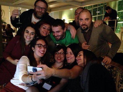 Gruppo di blogger in collegamento con Real Time prima dell'inizio del programma alla #FGDroma
