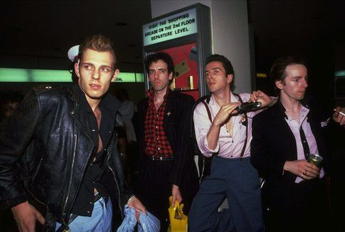 Paul Simonon e i Clash - foto Anorak.co.uk