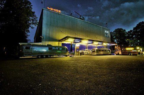 BaseCamp Bonn. Il fuori: un magazzino