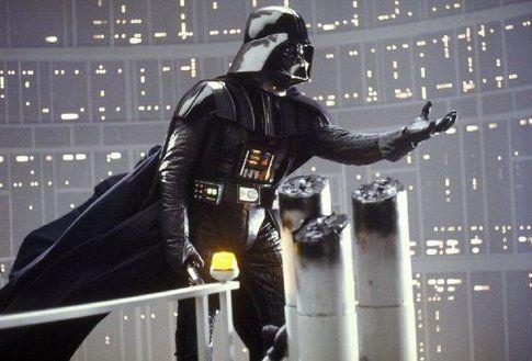 David Prowse (Darth Vader) in una scena di L'impero colpisce ancora - foto Movieplayer.it