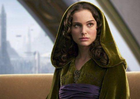 Natalie Portman in una scena da La vendetta dei Sith (2005) - foto Movieplayer.it