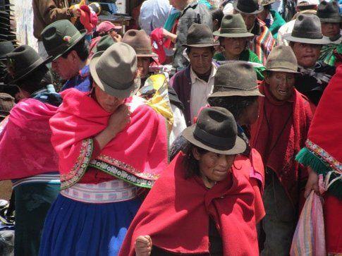 Otavalo market - Foto by www.viaggiare-low-cost.it