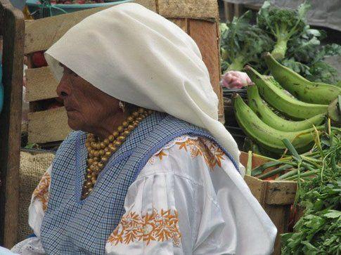 Donna Otavalo - Foto by www.viaggiare-low-cost.it