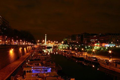 Bastille by night - foto di Gilles FRANCOIS