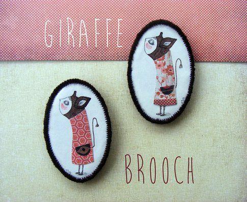 Noe's Mind - Giraffe brooch