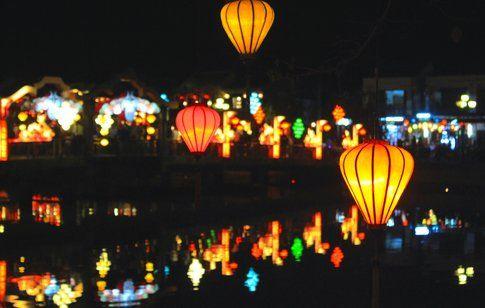 Lanterne come lucciole - foto di Elisa Chisana Hoshi