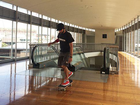 Mirko Gozzo, 36 anni, di Gallarate (Varese). Vive a Sydney con la moglie australiana e il figlio William Tommaso, detto Billy.