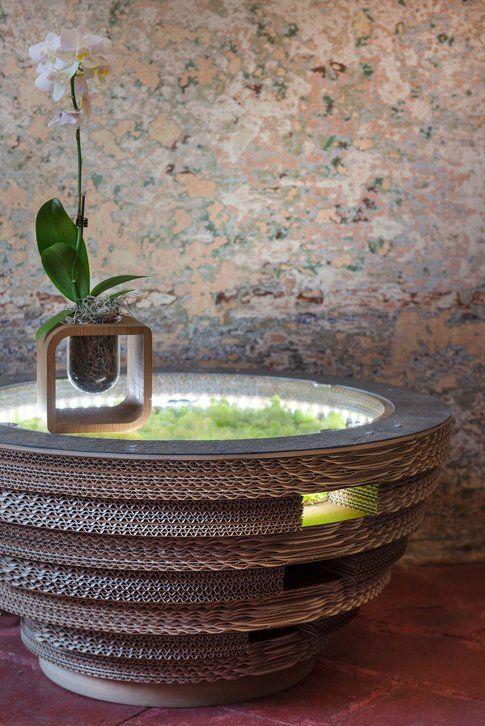 Lessmore collezione Ecodesign. Tavolino Tappo