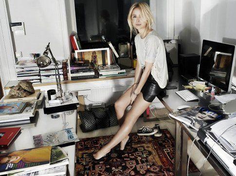 La giornalista svedese Elin Kling di NOWMANIFEST:COM