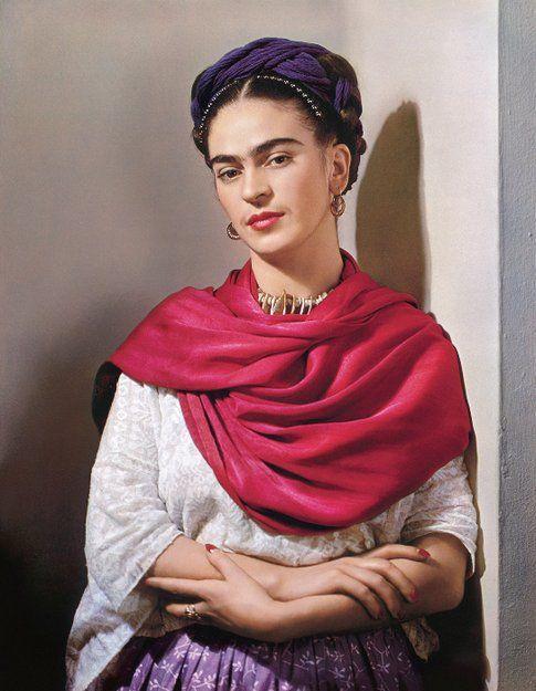 Nickolas Muray. Frida con rebozo rosso© Nickolas Muray Photo Archives