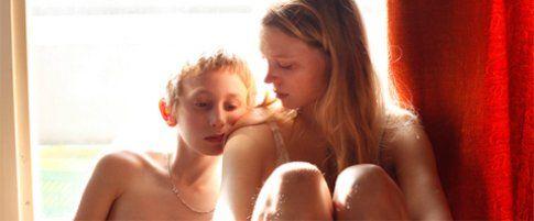 """Madre/sorella-figlio - Una scena del film """"Sisters"""""""