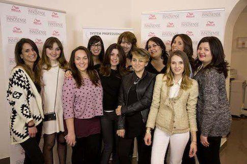 Con le altre ragazze presenti all'evento