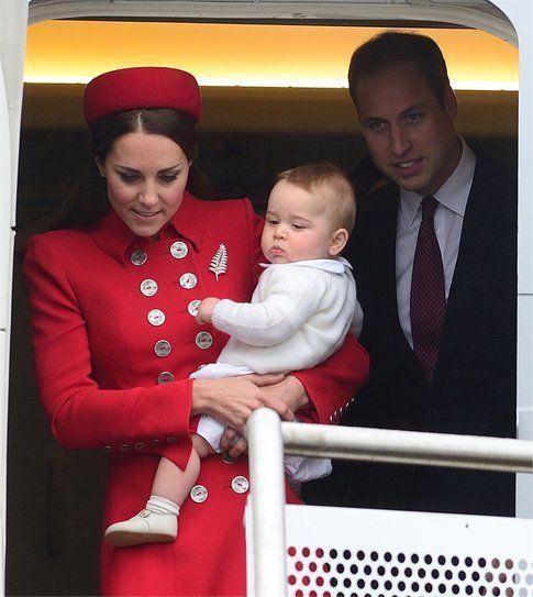 Il piccolo George con mamma Kate e papà William  Splashnews