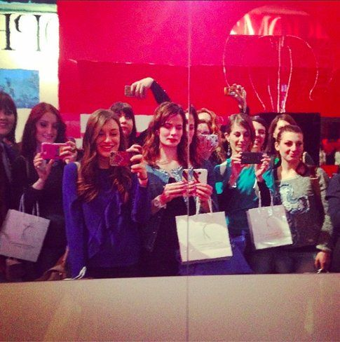 Carlotta (riuscite a trovarla??) insieme a tutte le altre Beauty Blogger dell'evento Cosmetica Italia