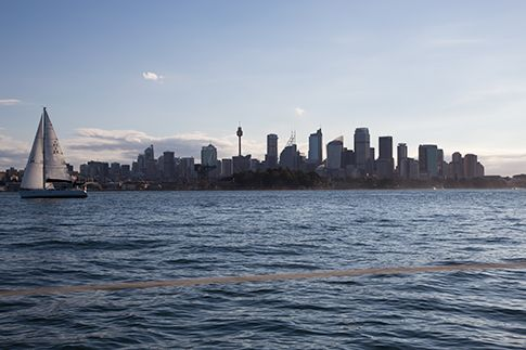 Lo skyline di Sydney visto dal mare (Foto di Oriana Pagano)